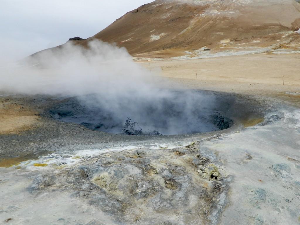 Myvatn geothermal mud pots